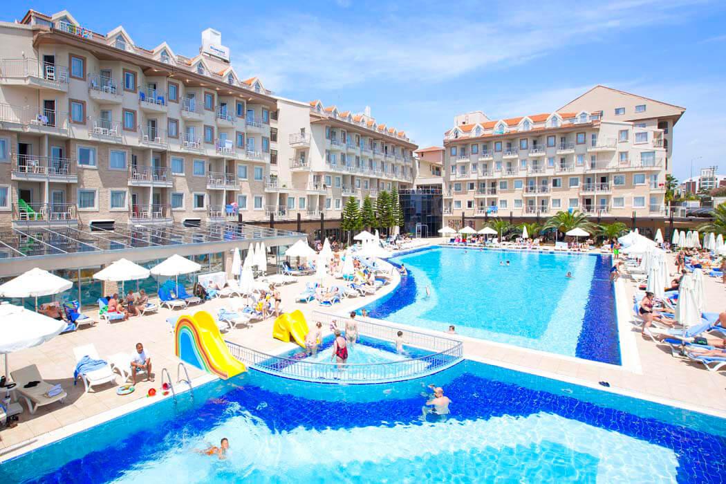 DIAMOND BEACH HOTEL & SPA