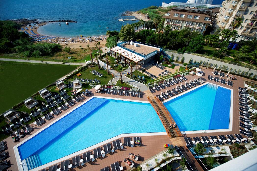 NUMA BEACH HOTEL
