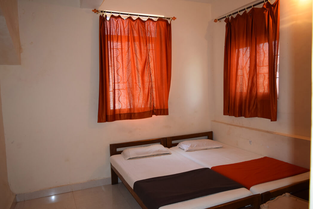 STAY LONGER GUEST HOUSE