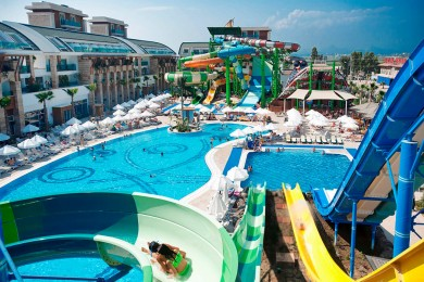 CRYSTAL WATERWORLD RESORT&SPA